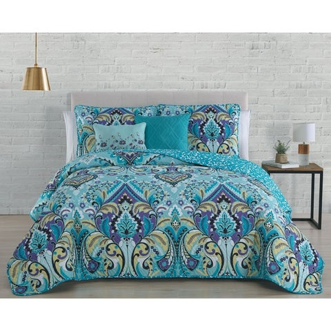 Misha Reversible Quilt Set with Throw Pillows