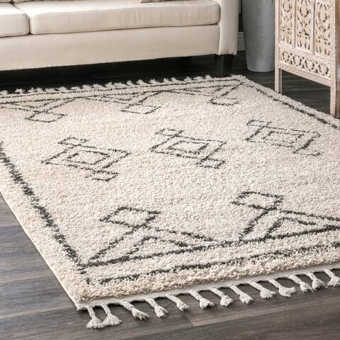 The Curated Nomad Prescott Moroccan Diamond Tassel Shag Rug
