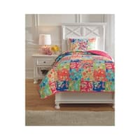 Signature Design by Ashley Belle Chase Quilt Set