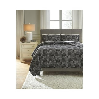 Signature Design by Ashley Jabesh Quilt Set