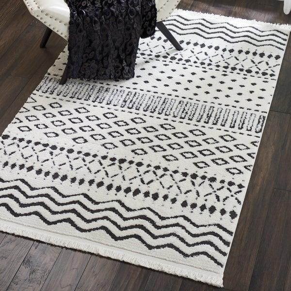 Shop Nourison Modern Moroccan White Black Fringe Rug 5 3
