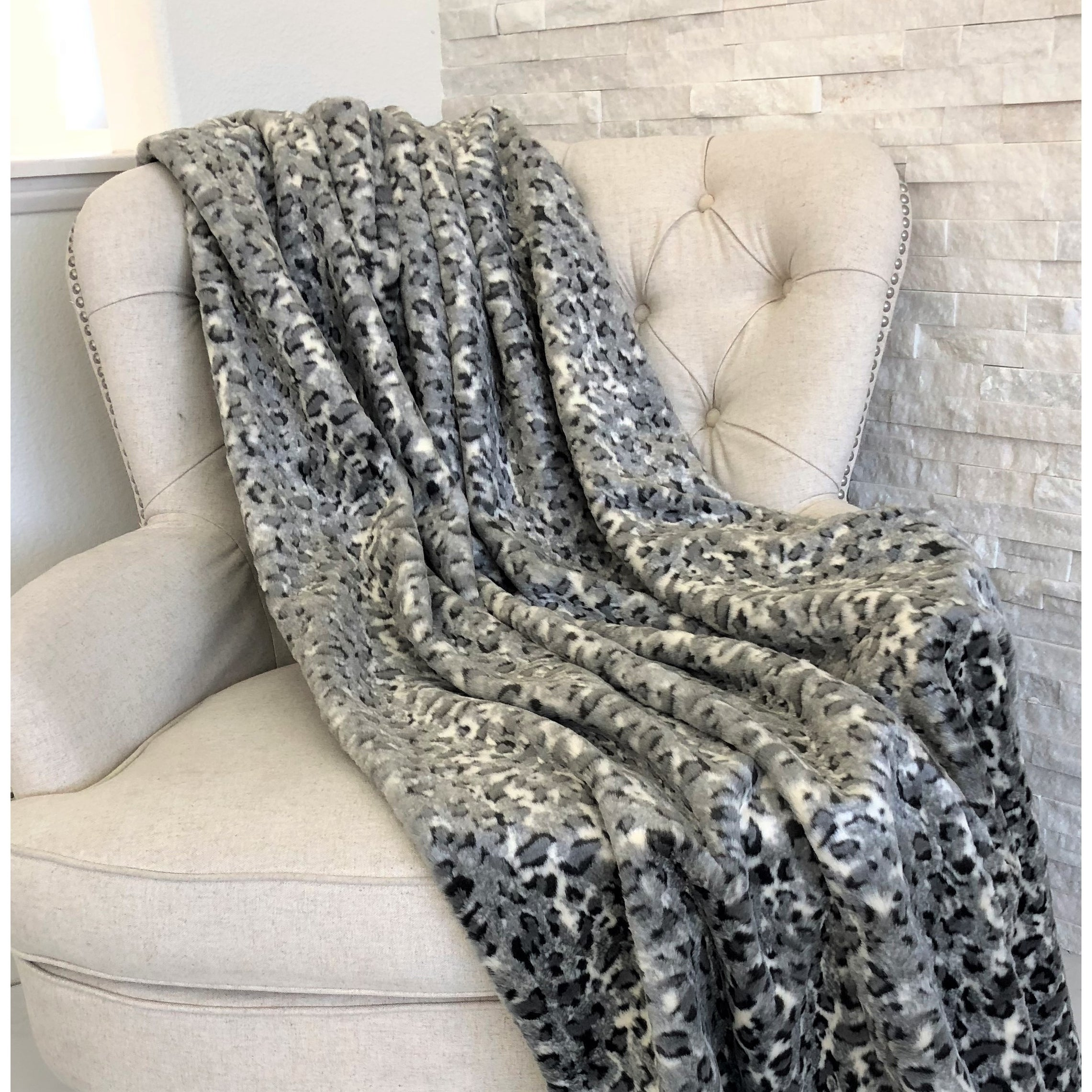 The velvet jungle throw with high-end faux fur