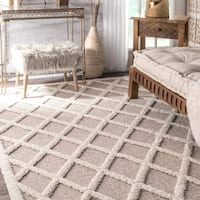 nuLOOM Ivory Contemporary Modern Diamond Area Rug - 9' x 12'