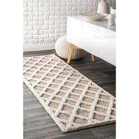 "nuLOOM Ivory Contemporary Modern Diamond Runner Rug - 2' 6"" x 10'"