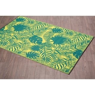 Fiesta Green Leaves Indoor/Outdoor Reversible Plastic Area Rug - 5'x 8'