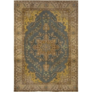 Vintage Distressed Color Reform Lyle Gray/Tan Wool Rug (6'4 x 9'7) - 6 ft. 4 in. x 9 ft. 7 in.
