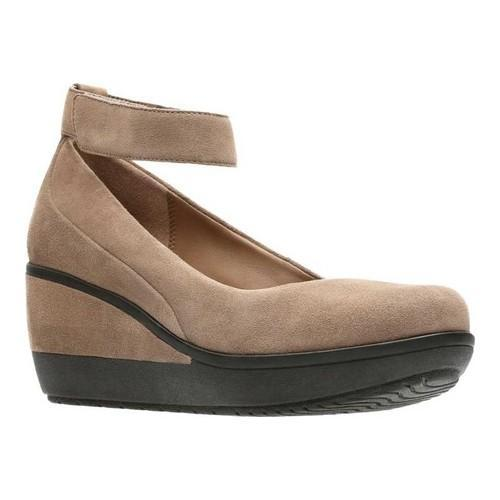 5f549cd6abf Shop Women s Clarks Wynnmere Fox Wedge Pebble Suede - Free Shipping Today -  Overstock - 18151152