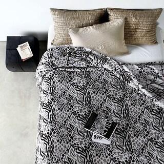 Qbedding All Season Blackberry Leopard Microplush Blanket