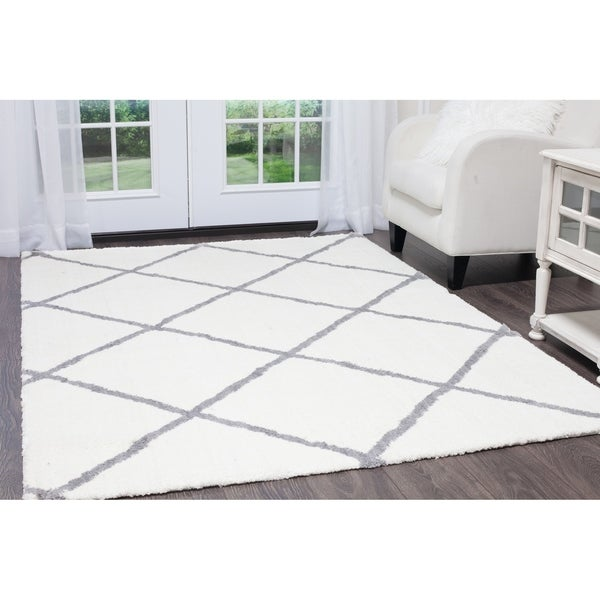 Ivory Gray Diamond Ramapo Area Rug