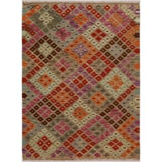 "Kilim Arya Mammie Gray/Red Wool Rug (4'5 x 6'0) - 4' 5"" x 6' 0"""