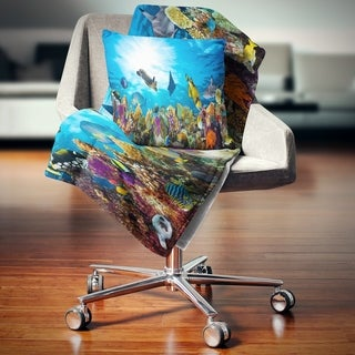 Designart 'Colorful Coral Reef with Fishes' Seascape Throw Blanket