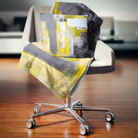 Designart 'Grey and Yellow Blur Abstract' Abstract Throw Blanket