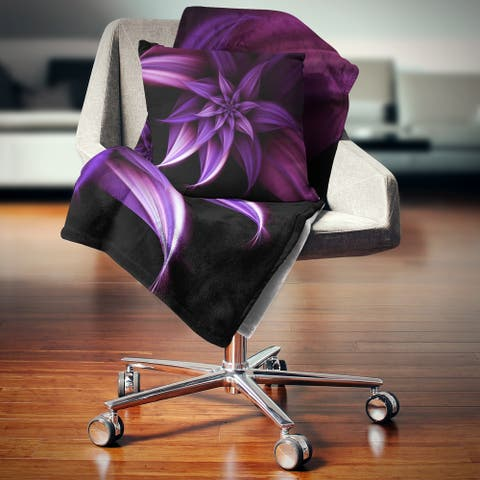 Designart 'Fractal Flower Purple' Floral Throw Blanket