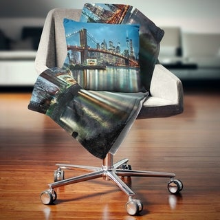 Designart 'Brooklyn Bridge and Skyscrapers' Cityscape Throw Blanket (2 options available)