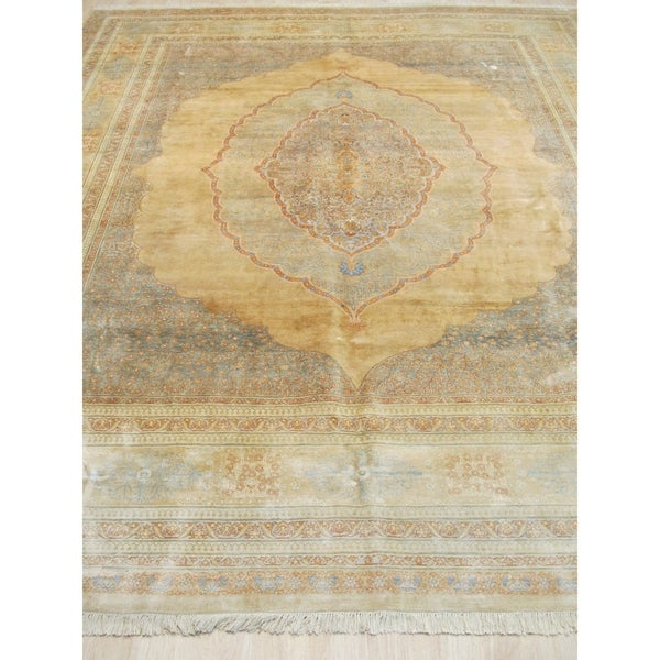 Shop Classical Kashan Medallion Hand Knotted Persian Wool: Shop Hand-knotted Wool Beige Traditional Oriental