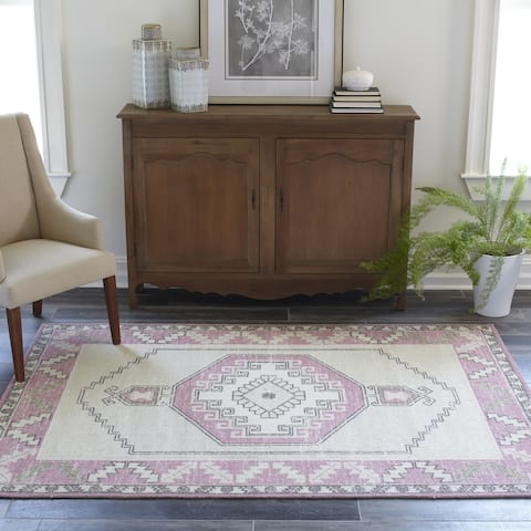 Momeni Anatolia Wool Blend Traditional Medallion Area Rug