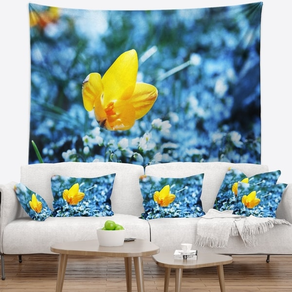 Designart 'Beautiful Yellow Flower on Blue' Floral Wall Tapestry