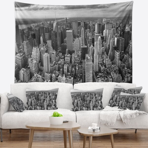 Designart 'Panoramic Aerial View of Manhattan' Modern Cityscape Wall Tapestry