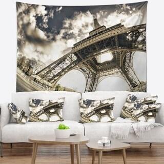 Designart 'Paris Eiffel Towerin Sunny Winter Morning' Wall Tapestry