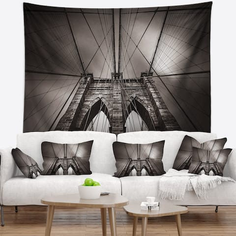 Designart 'Brooklyn Bridge in NYC USA' Wall Tapestry