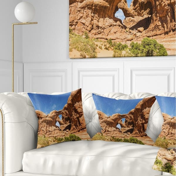 Designart Double Arch In Arches National Park Landscape Photography Throw Pillow On Sale Overstock 20890178