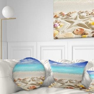 Designart 'Caribbean Sea Starfish' Beach and Shore Throw Pillow