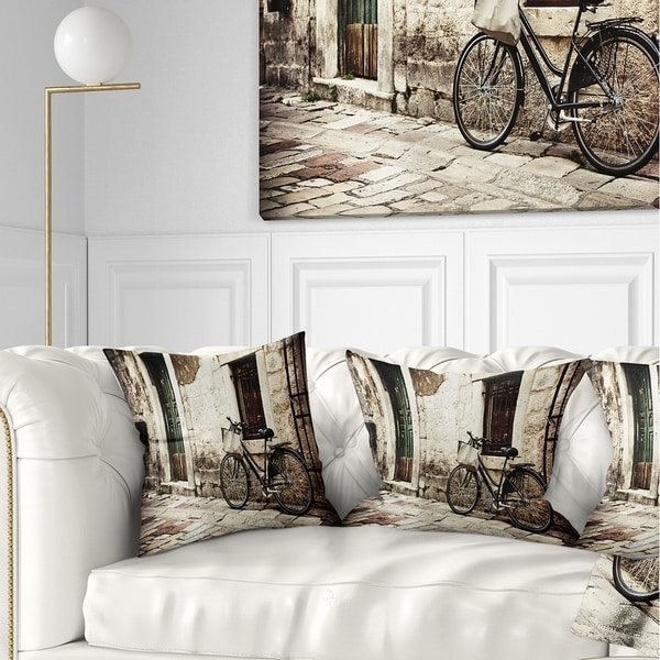 Designart 'Bicycle with Shopping Bag' Landscape Photo Throw Pillow
