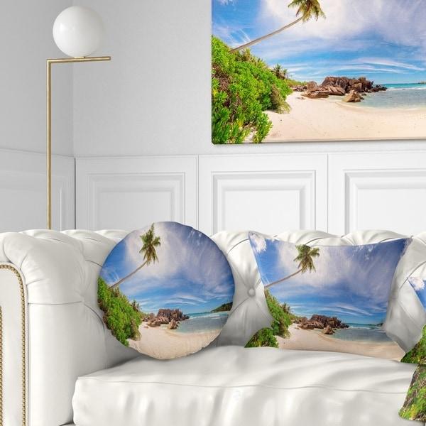 Designart 'Beautiful Beach at La Digue Seychelles' Seashore Throw Pillow