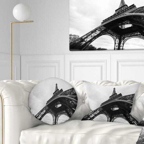 Designart 'Paris Paris Eiffel Towerin Black and White Side View' Cityscape Throw Pillow