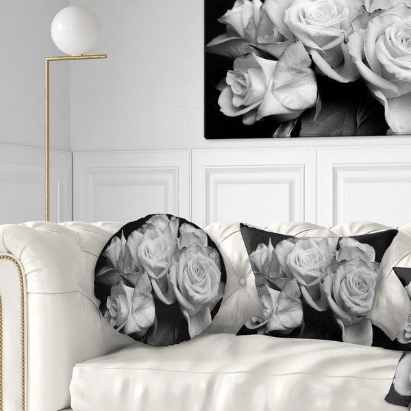 Designart 'Bunch of Roses Black and White' Floral Throw Pillow