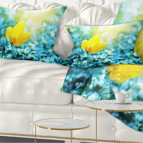 Designart 'Beautiful Yellow Spring Flower' Floral Throw Pillow