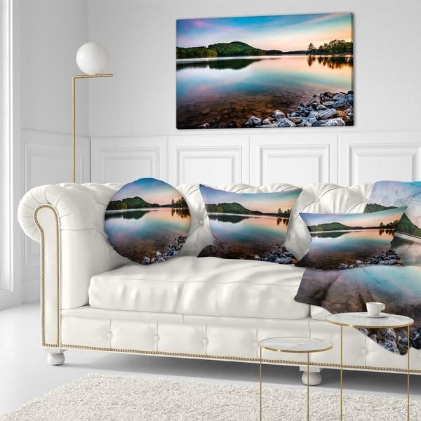 Designart 'Lake Allatoona at Red Top Mountain' Seashore Throw Pillow