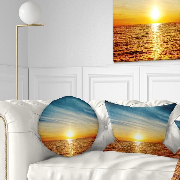 Designart 'Brilliant Texture of Sea Currents' Oversized Beach Throw Pillow