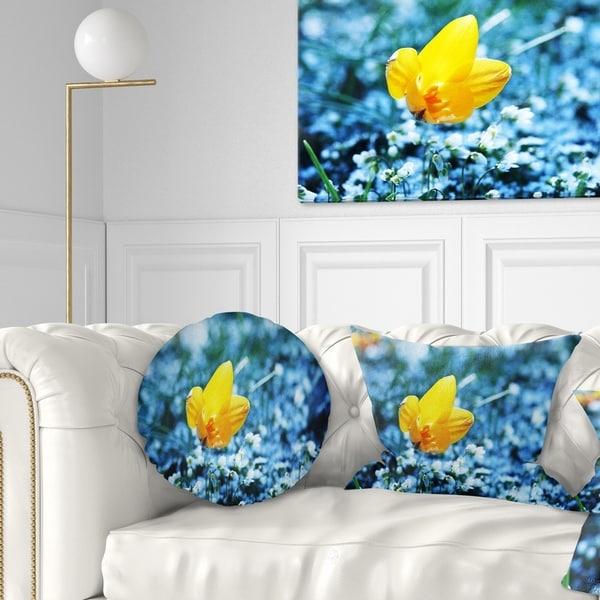 Designart 'Beautiful Yellow Flower on Blue' Floral Throw Pillow