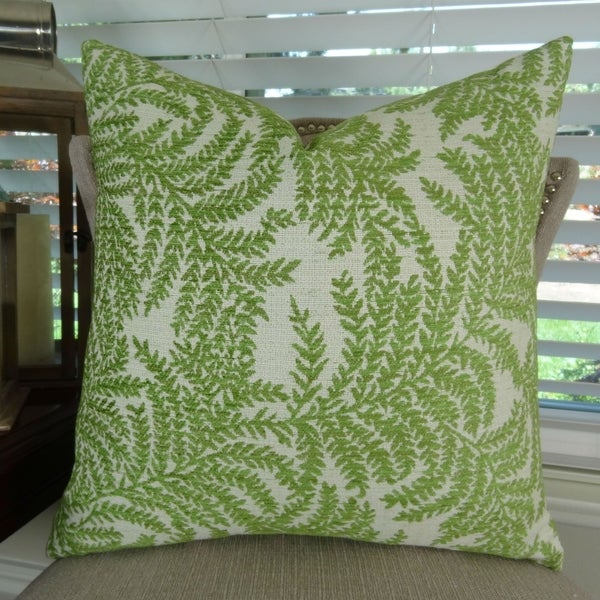 Shop Thomas Collection Green White Fern Luxury Throw