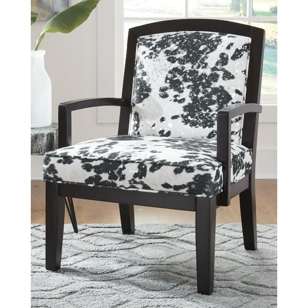 Phenomenal Shop Signature Design By Ashley Treven Black White Gamerscity Chair Design For Home Gamerscityorg