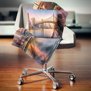 Designart 'Queenboro Bridge Panorama at Sunset' Cityscape Throw Blanket (2 options available)