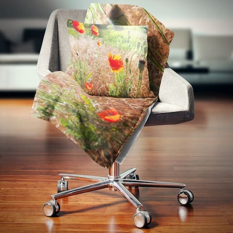 Designart 'Beautiful Morning View of Poppies' Floral Throw Blanket