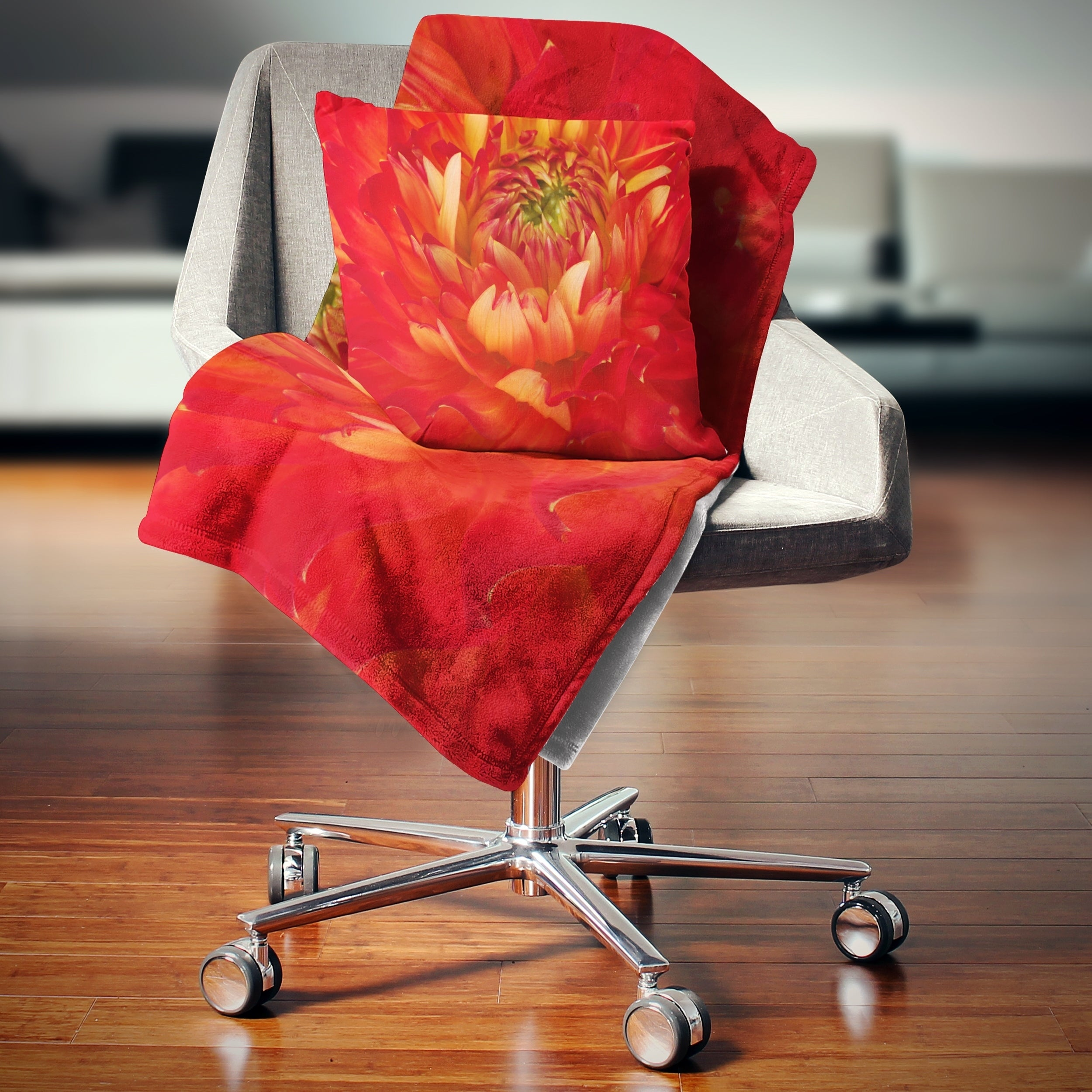 Designart Bright Red Close Up Flower Petals Floral Throw Blanket On Sale Overstock 20915594 71 In X 59 In