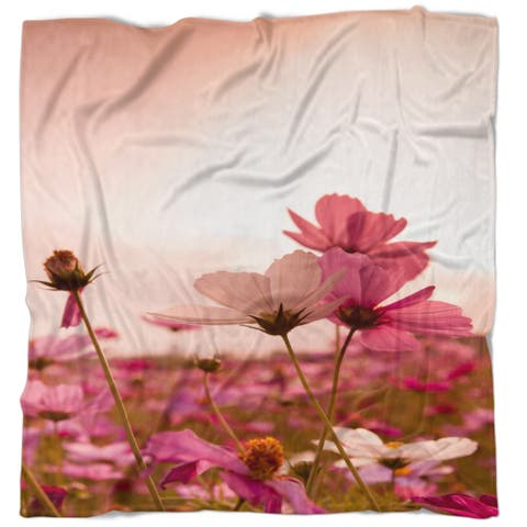 Designart 'Meadow with Beautiful Cosmos Flowers' Floral Throw Blanket
