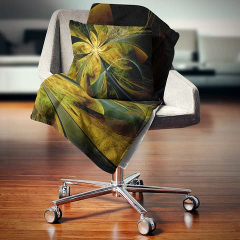 Designart 'Symmetrical Fractal Flower in Gold' Floral Throw Blanket