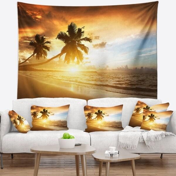 Designart 'Caribbean Seashore Sunset' Seascape Photography Wall Tapestry