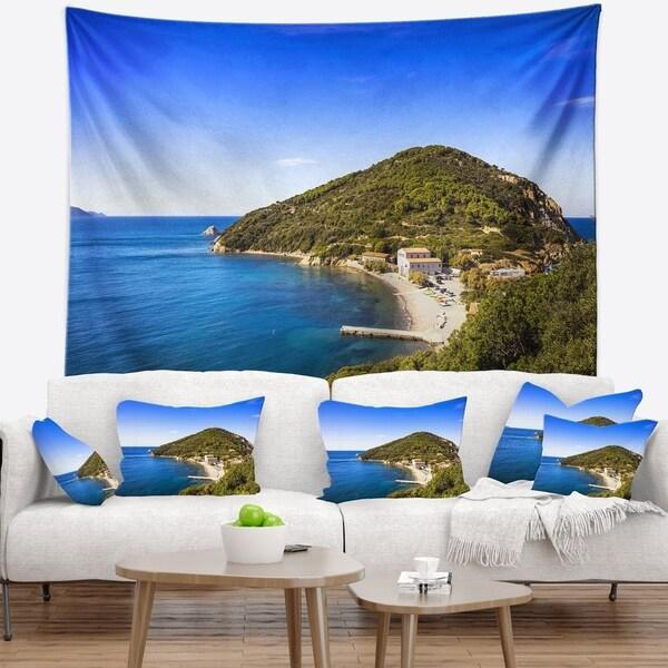 Designart 'Blue Seashore at Elba Island' Seashore Wall Tapestry