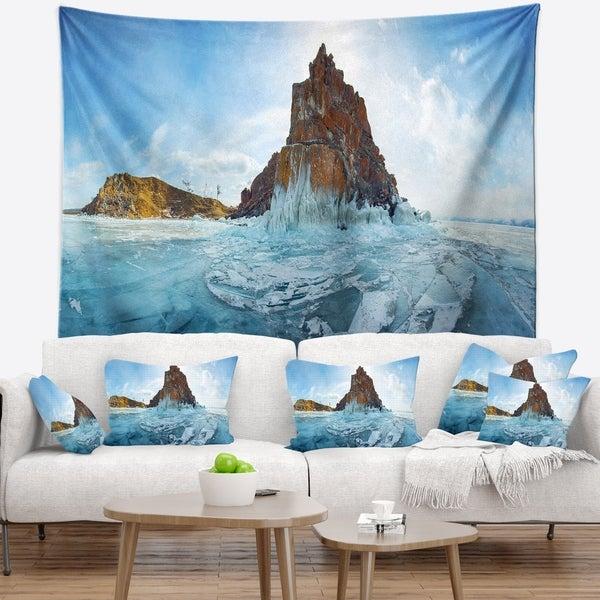 Designart 'Ice and Rocks of Lake Baikal' Seascape Wall Tapestry