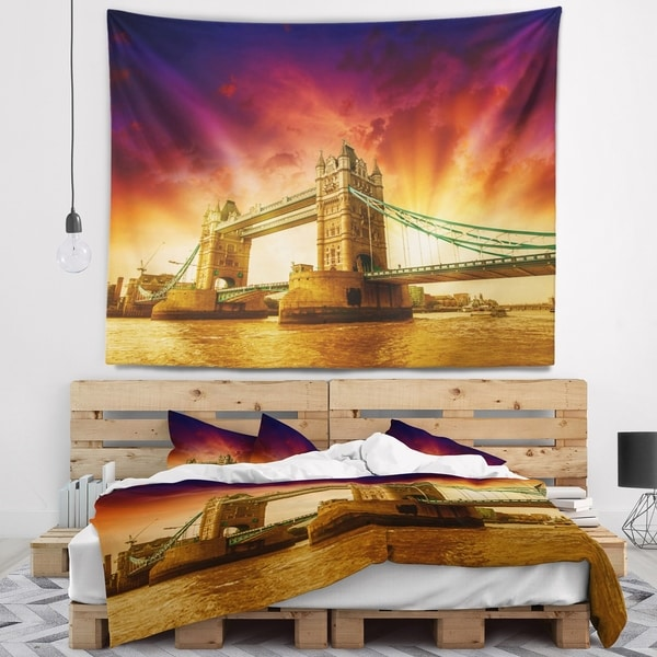 Designart 'Tower Bridge in Its Magnificence' Cityscape Photo Wall Tapestry