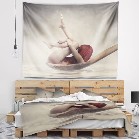Designart 'Beauty Bath' Contemporary Wall Tapestry