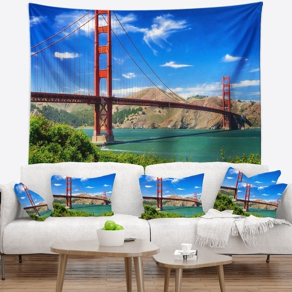 Designart 'San Francisco Golden Gate' Landscape Photography Wall Tapestry