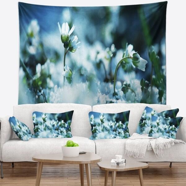 Designart 'Little White Flowers in Meadow' Flower Wall Tapestry