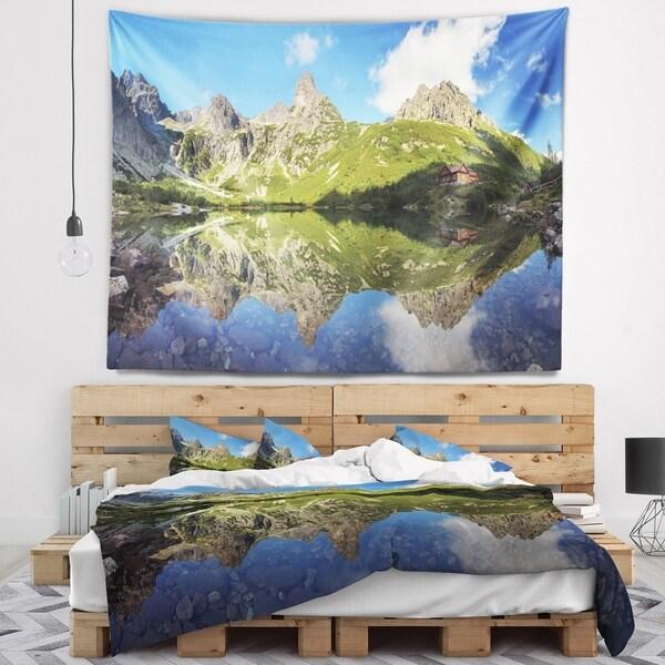 Designart 'Green Lake in Tatra Mountain' Landscape Photo Wall Tapestry