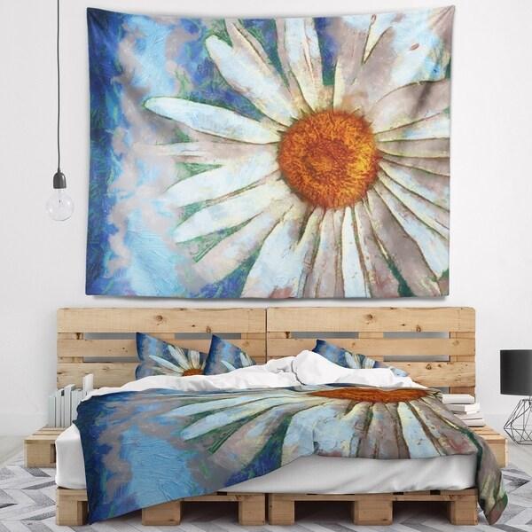 Designart 'Hand drawn White Chamomile Flower' Flower Wall Tapestry